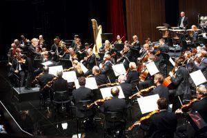 Bregenz am 31.7.2016 Bregenzer Festspiele -orchesterkonzert der Wiener Symphoniker, Dirigentin Susanna Maelkki, Violini Patricia Kopatchinskaja
